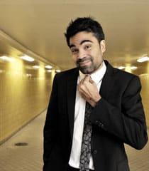 David Batra - Boka en av landets mest kända och omtyckta komiker